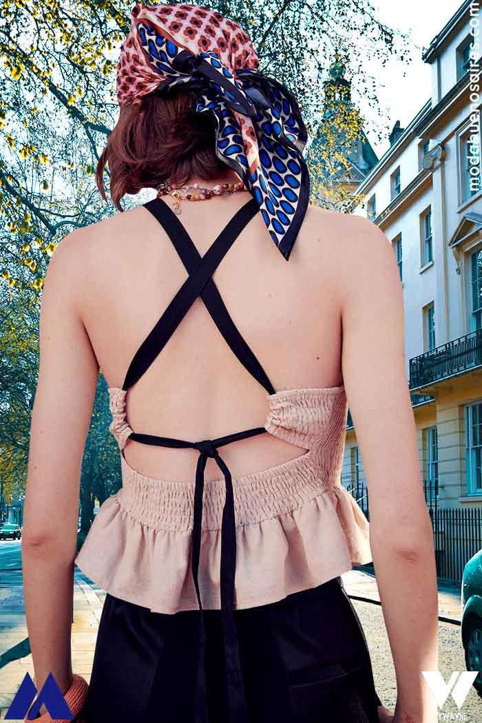 tops con lazos en espalda moda verano 2022