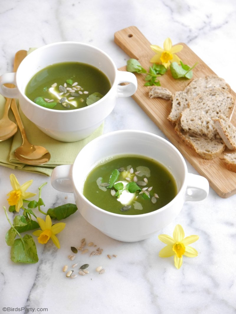 Gluten-Free Vegan Watercress Spring Soup - a quick, easy and super delicious healthy soup, perfect for dinner party or party appetizers at Easter! by BirdsParty.com @birdsparty #souprecipe #recipe #springsoup #watercresssoup