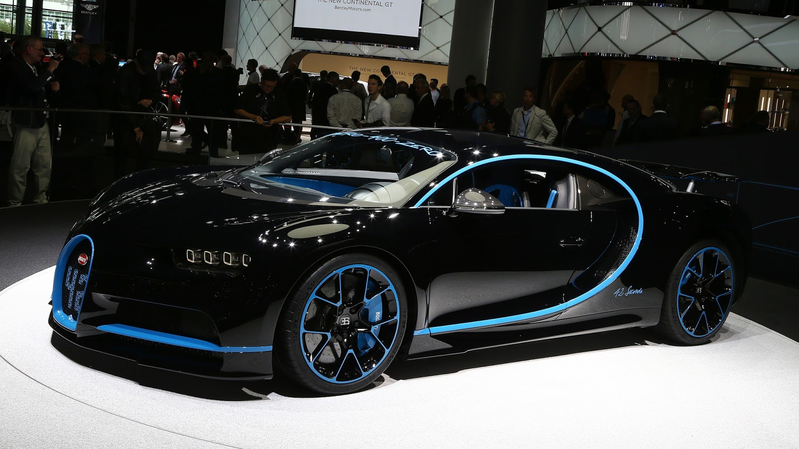 automotiveblogz bugatti chiron 0 400 0 km h record car frankfurt 2017. Black Bedroom Furniture Sets. Home Design Ideas