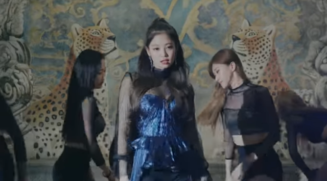 JENNIE – 'SOLO' PERFORMANCE VIDEO