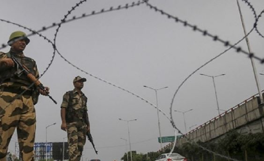 Border Security Force kills one Pakistani intruder, one caught