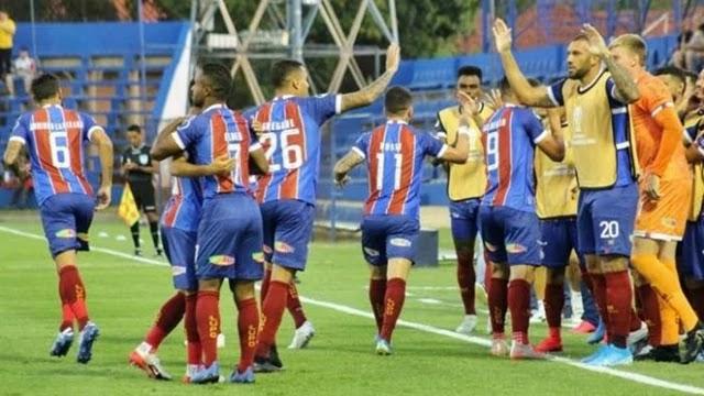 Gilberto (duas vezes) e Élber marcaram os gols do triunfo tricolor no Paraguai