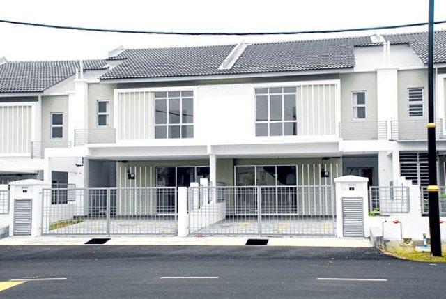 Sebuah Rumah Teres Yang Berusia Lebih Dari 30 Tahun Terletak Di Taman Tun Dr Ismail Ttdi Kuala Lumpur Telah Diubahsuai Biasa