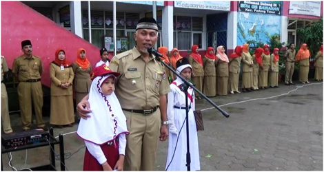 Walikota Padang Beri Hadiah Jalan-Jalan Untuk Si Pengarang Cilik