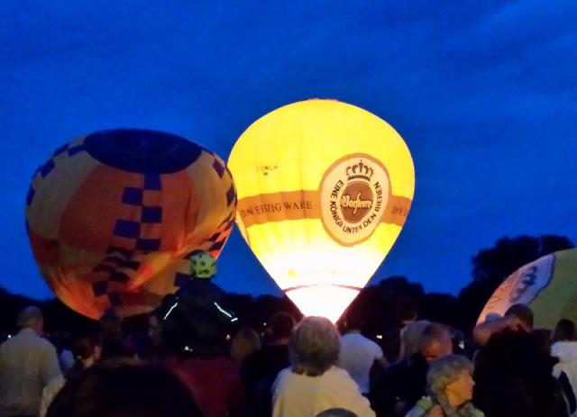 Der Night Glow auf der Balloon Sail der Kieler Woche: Einfach wunderschön!