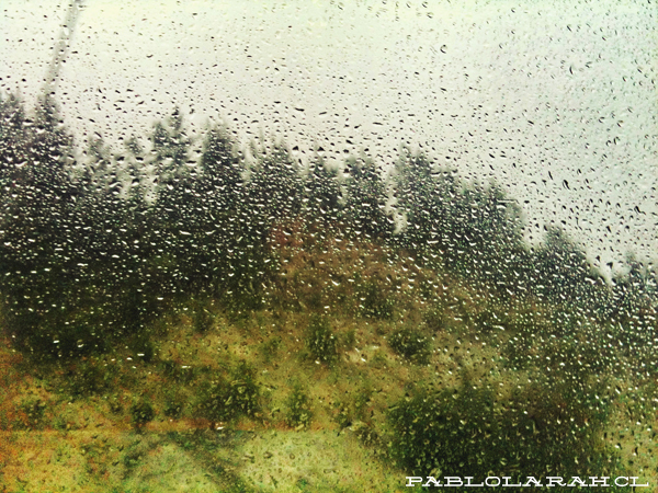 Rain through glass, Chile, bus, Pablo Lara H