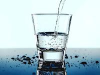 Minum Segelas Air Putih Agar Kondisi Sehat