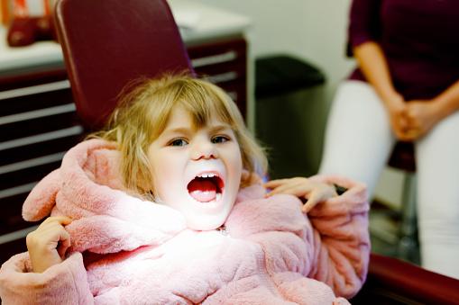 التهاب لسان المزمار عند الأطفال الأعراض والتشخيص والعلاج والوقاية