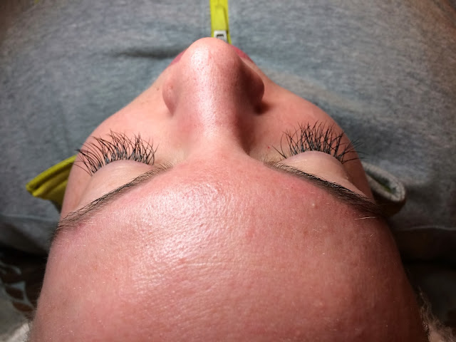 Eyelash Extensions fill long lashes