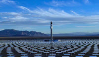 Solar tower power plant with molten salt storage (Credit: solarreserve.com) Click to Enlarge.