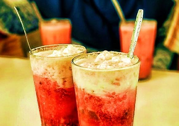 Minuman Seger Khas Tegal - Slawi Es Lontrong Namanya