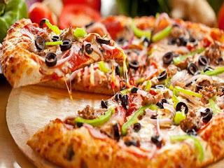 طريقة عمل البيتزا فى المنزل خطوة خطوة