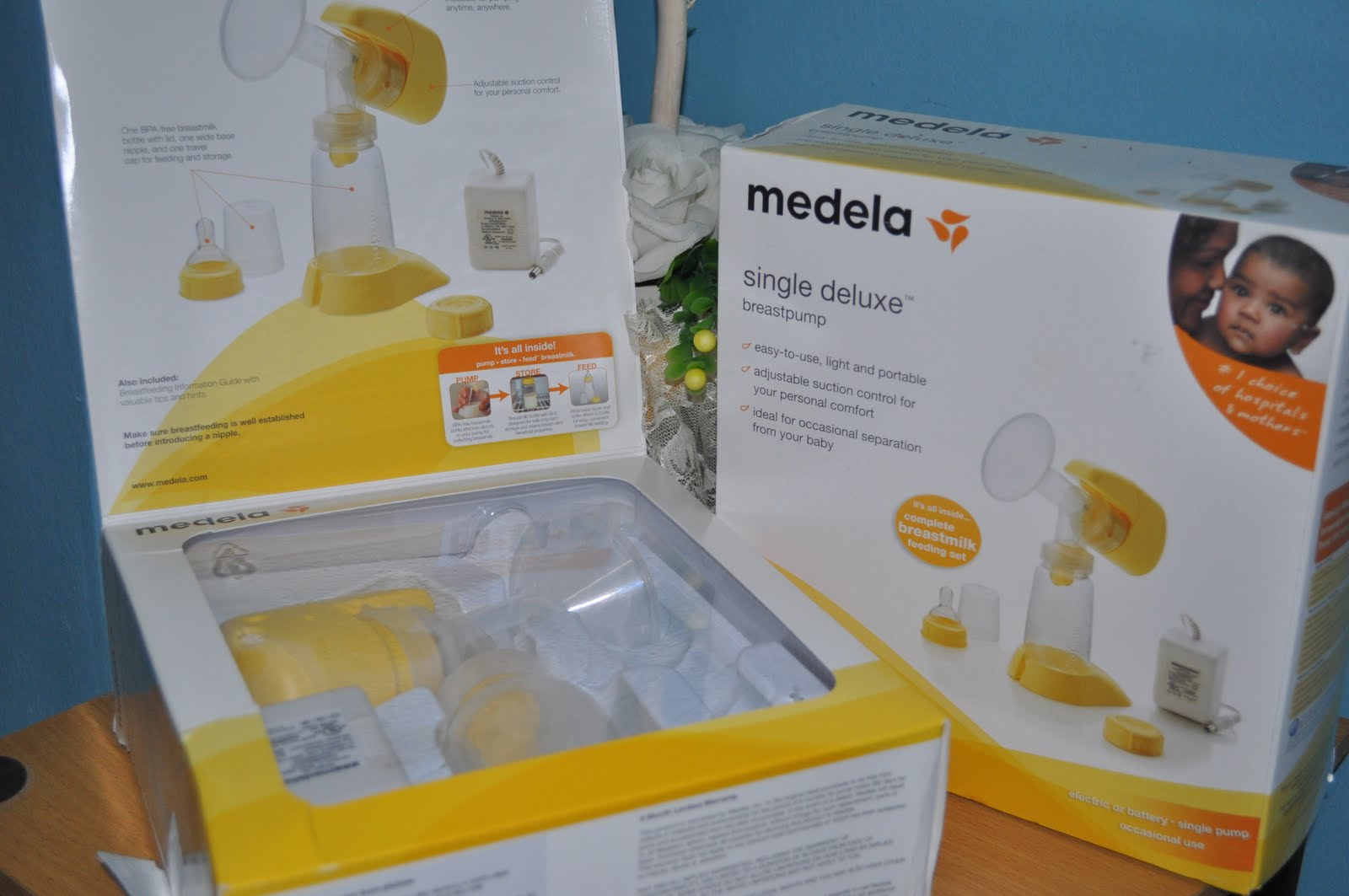 Medela Single Deluxe Battery Electric Breast Pump 96