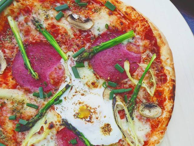 jak upiec pizzę