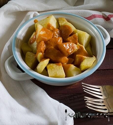 como preparar patatas bravas con la salsa de verdad