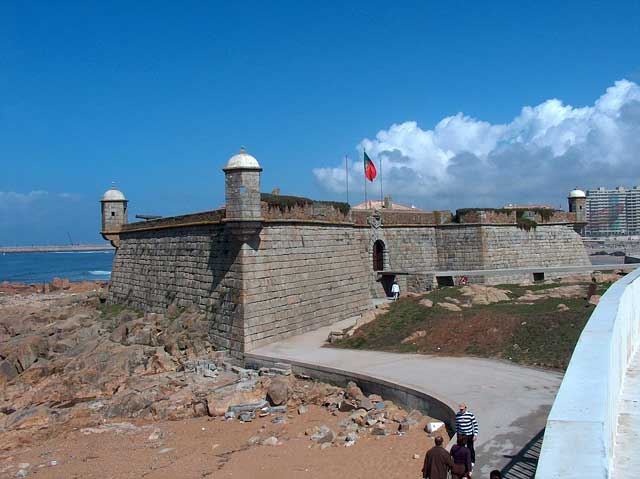 A view of the fort and sea in Foz do Douro