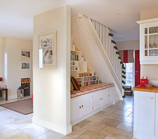 ديكور المنزل الداخلي تصميم درج داخلي للفلل