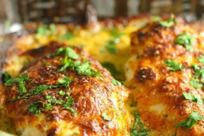 SMOTHERED CHEESY SOUR CREAM CHICKEN RECIPE
