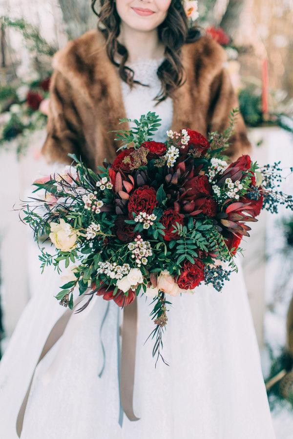 Bukiet ślubny zimowa panna młoda, Organizacja ślubu i wesela zimą, Zimowe Panny Młode, Zimowe inspiracje na ślub, Zimowy Ślub,