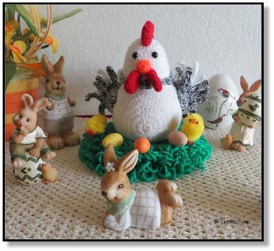 Osterdekoration, Hasen und Huhn