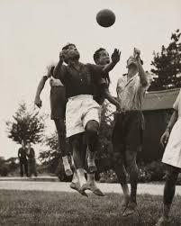 football play bear foot
