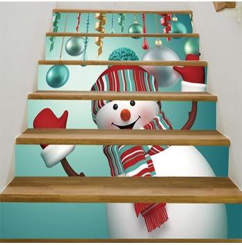 decoración de navidad para los escalones, cómo decorar las gradas con un sticker gigante de navidad