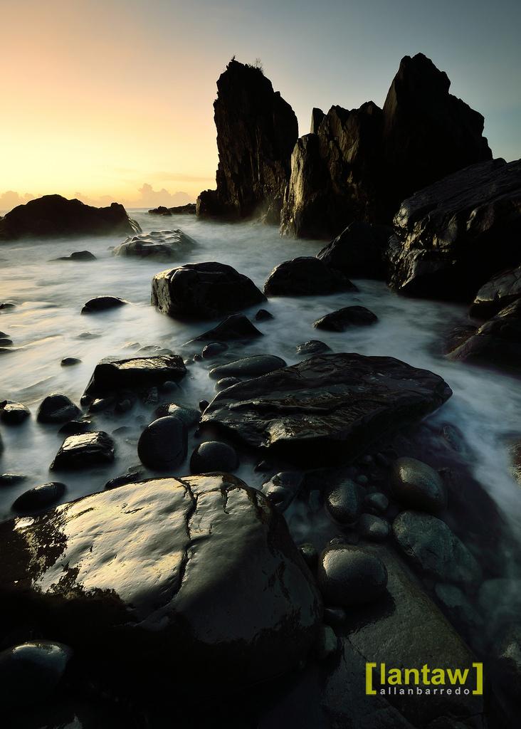 aurora: a splashy pacific sunrise in amper beach