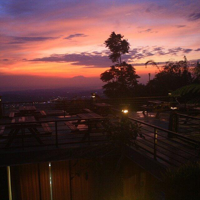foto sunrise di umbul sidomukti