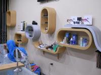 furniture interior semarang  interior optik toko kacamata10