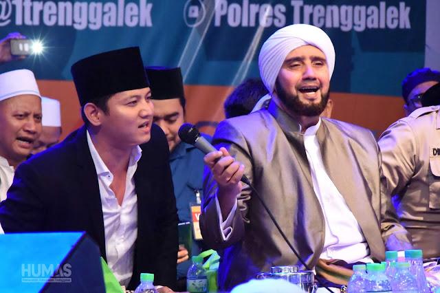 Sholawat Bersama Habib Syech, Bupati Nur Arifin Mohon Doa untuk Kabupaten Trenggalek