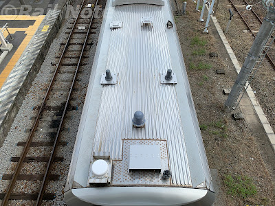 GV-E400系の屋根上アンテナ