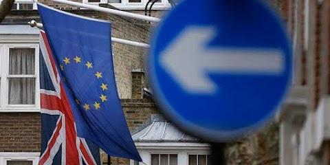 Hét éve először csökkent a brit negyedéves GDP
