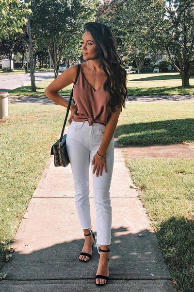 17 Fall Outfit Inspo That Will Make You Love This Season | Downtown Cami + Jeans in White + Heeled Sandals