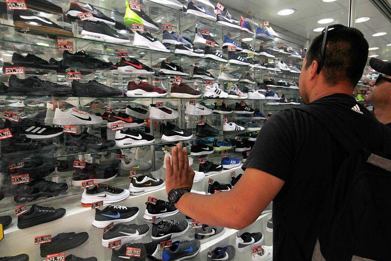 Por qué sube el precio de las zapatillas de hombres