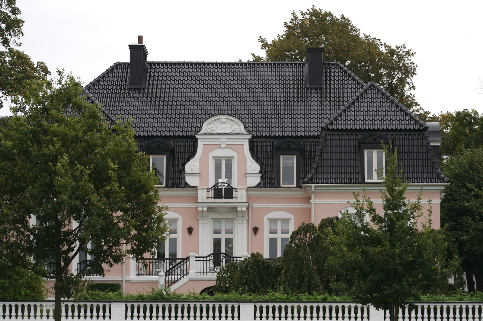 Zlatan Ibrahimovic's House - The Sport and Football Report