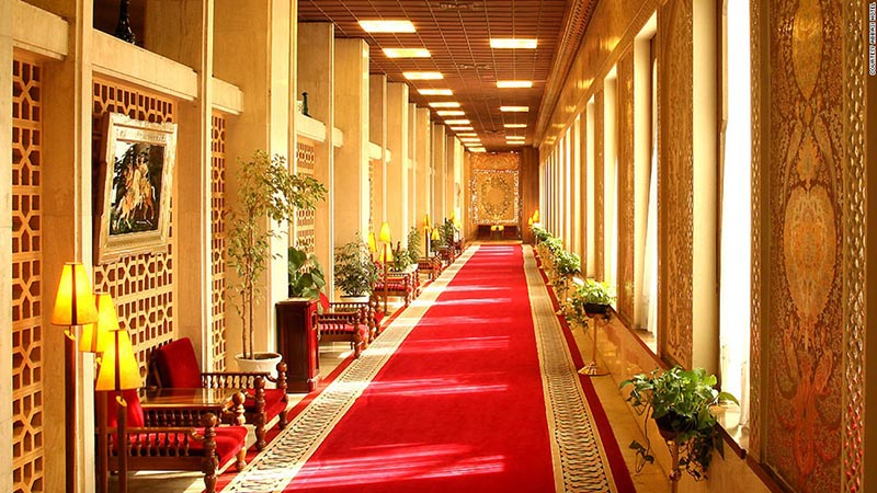 Забронировать отель в ширазе цена билетов на самолет кишинев москва