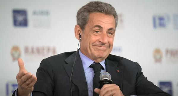 Quand Sarkozy se moquait d'Obama : «Je vais lui demander de marcher sur la Manche, et il va le faire...!»