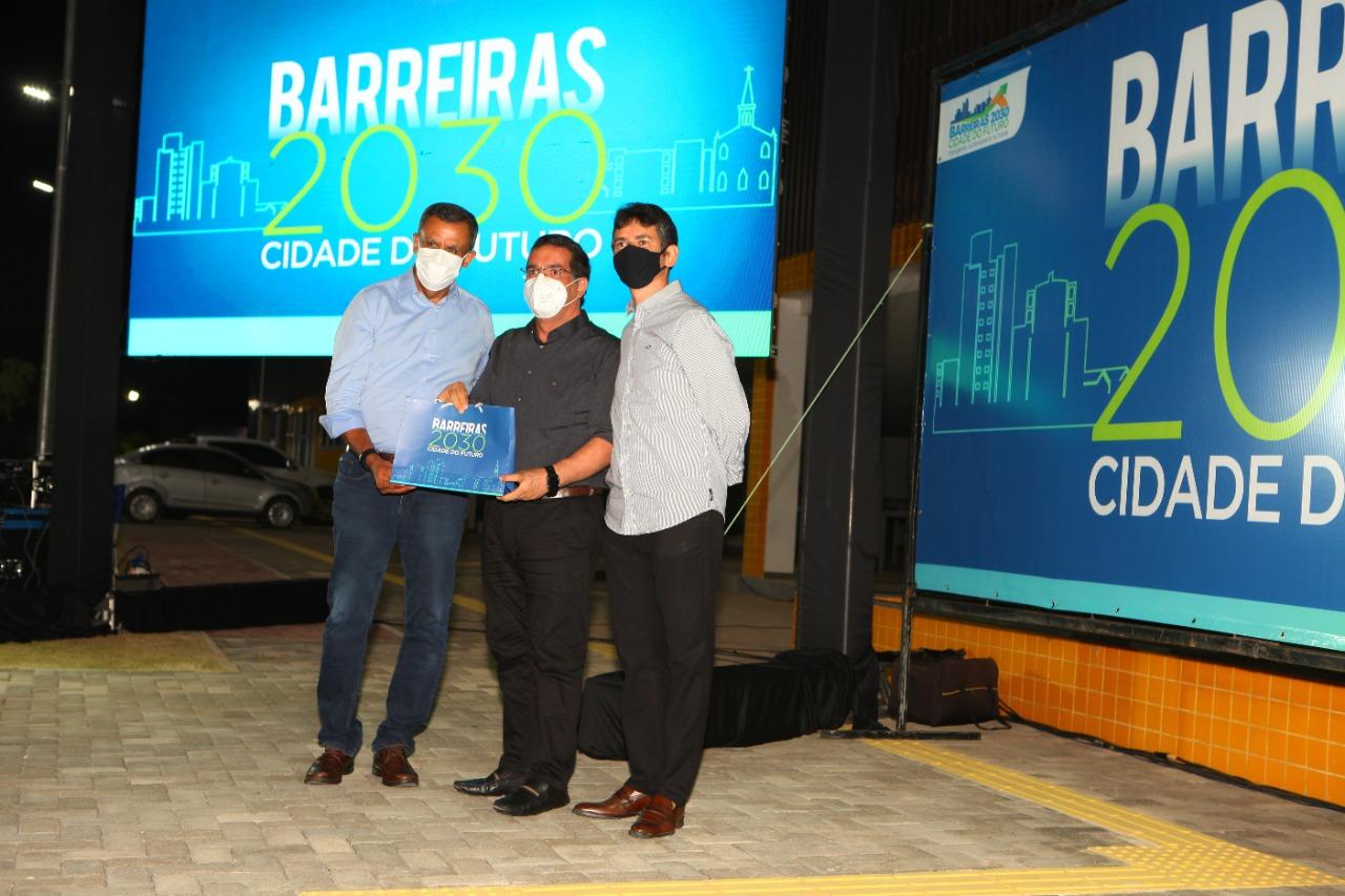 Antonio Henrique Júnior participa do lançamento do programa Barreiras 2030 - Cidade do Futuro