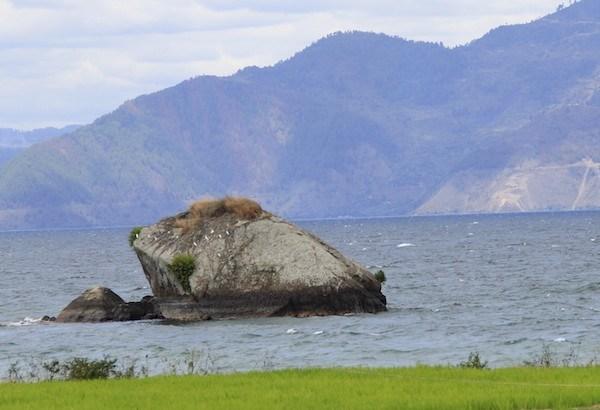 Legenda Batu Guru Pangaloan Danau Toba Samosir
