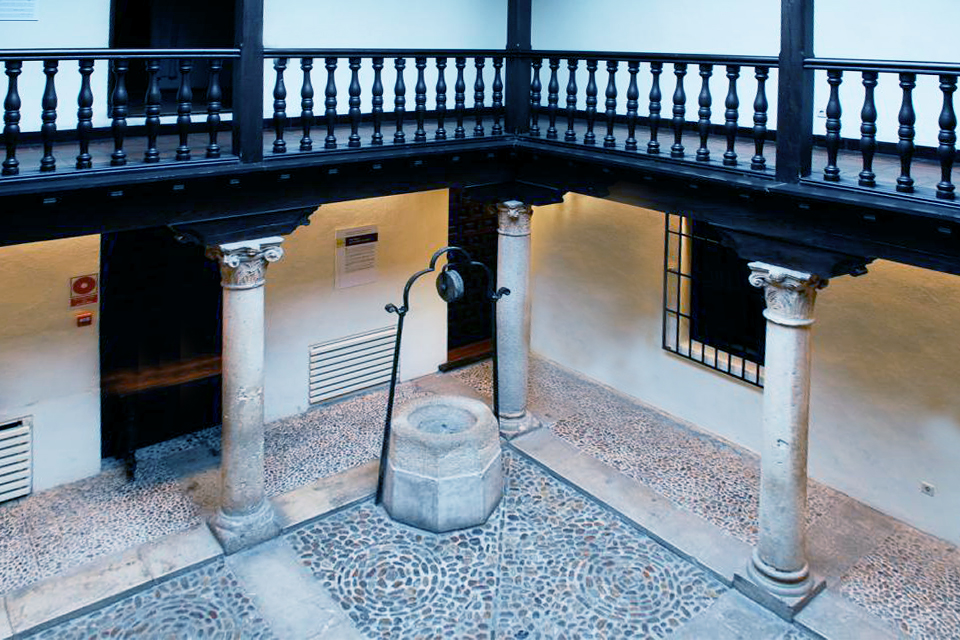 Casa Cervantes-patio interno