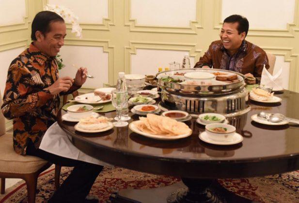 Jokowi: Kalau Ada Apa-apa Bisa Minta Tolong Setnov Melobi ke Trump : Detikberita.co Terupdate Hari Ini
