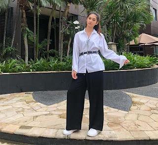 Maura Gabrielle Baju Putih