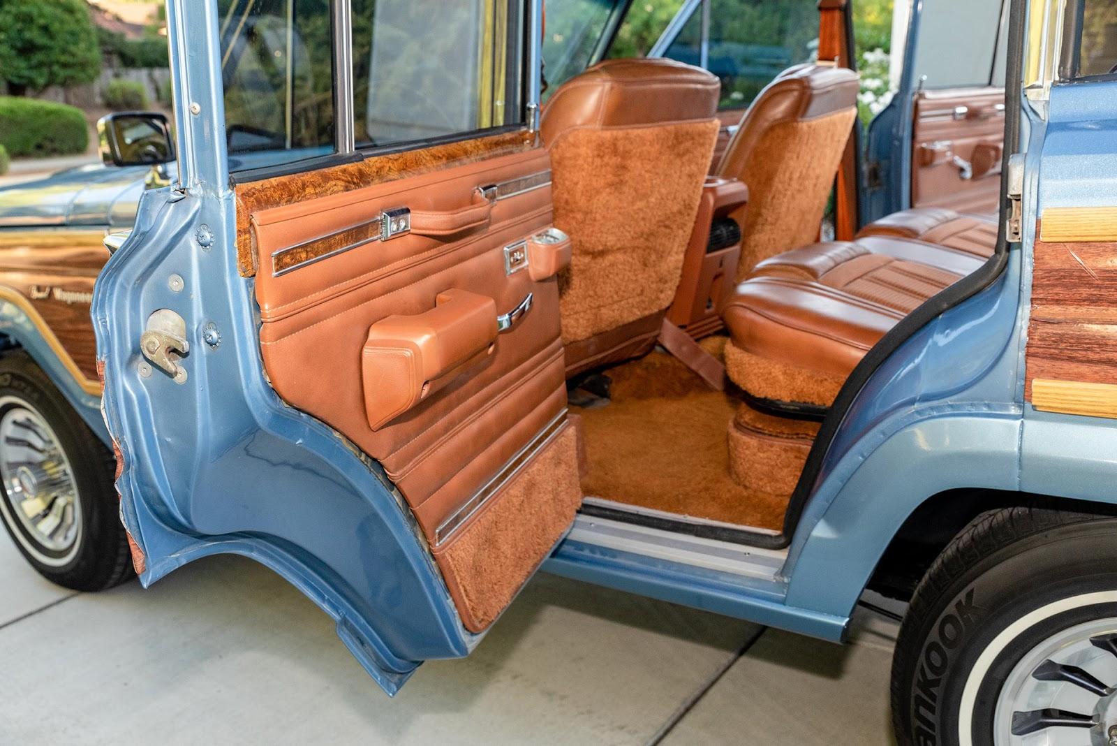 Automotiveblogz: LS1-Swapped Jeep Grand Wagoneer 1984 - BringATrailer
