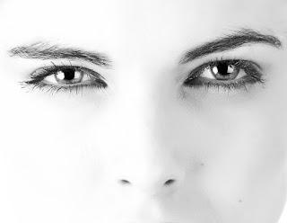 Black & White Eyes DP