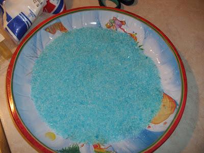 Χρωματισμένο αλάτι με χρώματα ζαχαροπλαστικής.