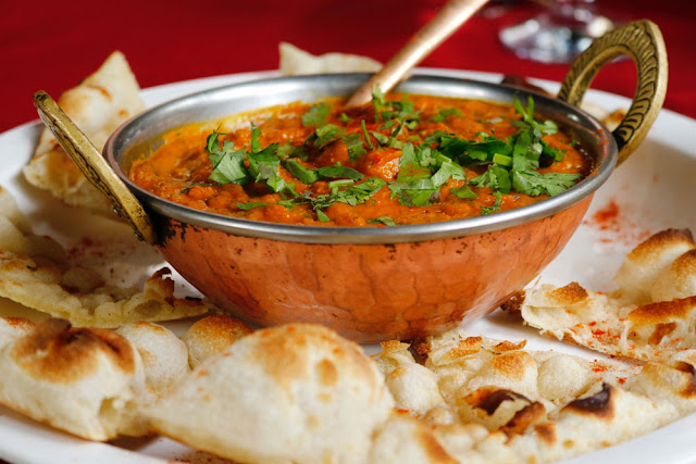 red curry and naan bread
