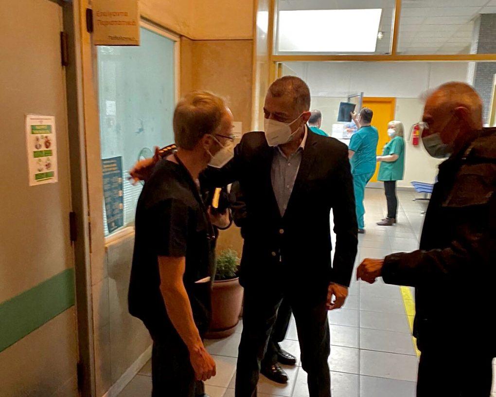 Επίσκεψη ΥΦΕΘΑ στα εφημερεύοντα Στρατιωτικά Νοσοκομεία