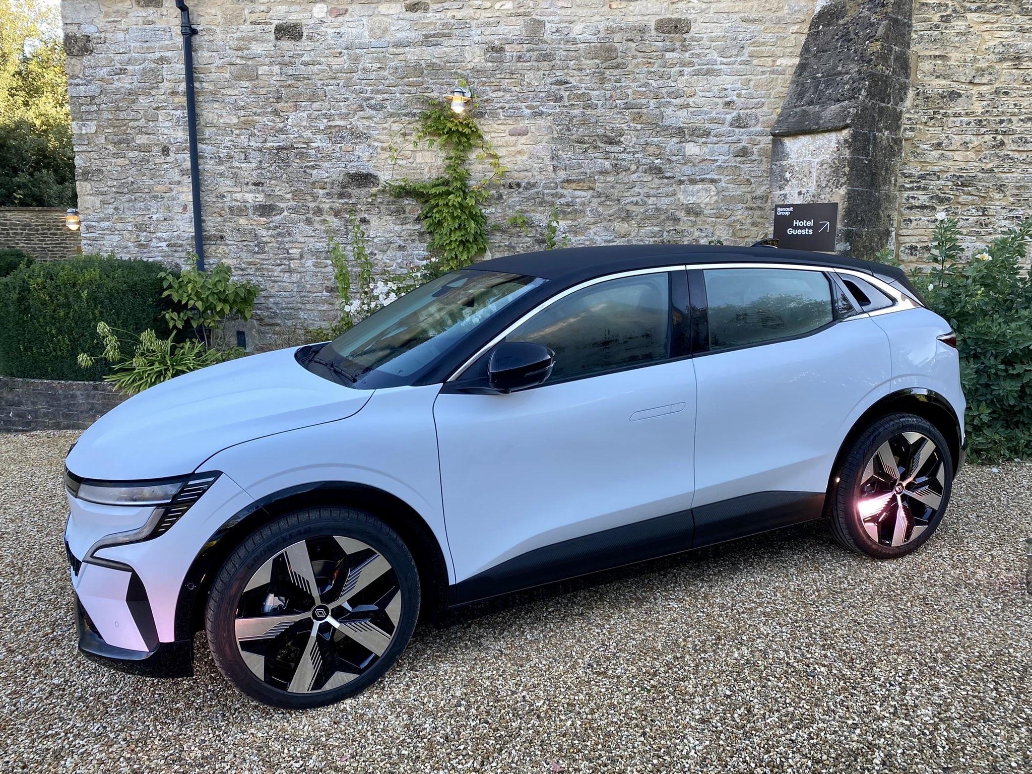 2021 - [Renault] Mégane E-Tech Electric [BCB] - Page 14 30