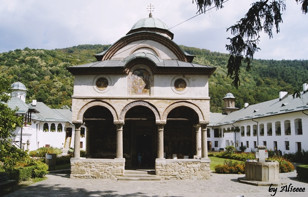 Manastirea-cozia-valea-oltului