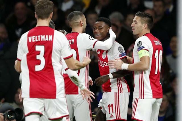 Video Chelsea 4-4 Ajax: 8 bàn, 2 thẻ đỏ & màn ngược dòng điên